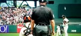 Buster Posey makes perfect toss into pitcher's glove when he wasn't looking