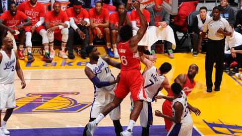 DeAndre Jordan mashes the Lakers