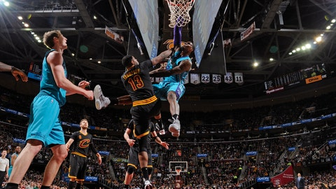 Marvin Williams hangs one on Tristan Thompson