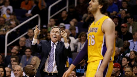 January 2013: D'Antoni clashes with bigs, benches Pau