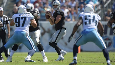 Raiders 17, Titans 10