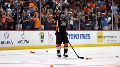 Teemu Selanne still in the spotlight