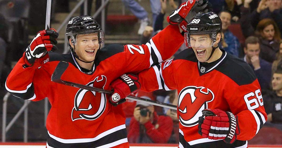 38d26286b59 Jagr sets record for oldest to score hat trick as Devils down Flyers ...