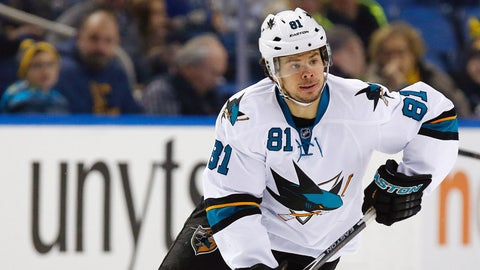 Islanders get Tyler Kennedy from Sharks for 2016 conditional third-round pick
