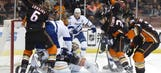 Lightning use 4-goal 2nd period to beat Ducks 4-1