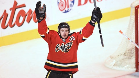 Capitals get Curtis Glencross from Flames for 2015 second-round pick and 2015 third-round pick