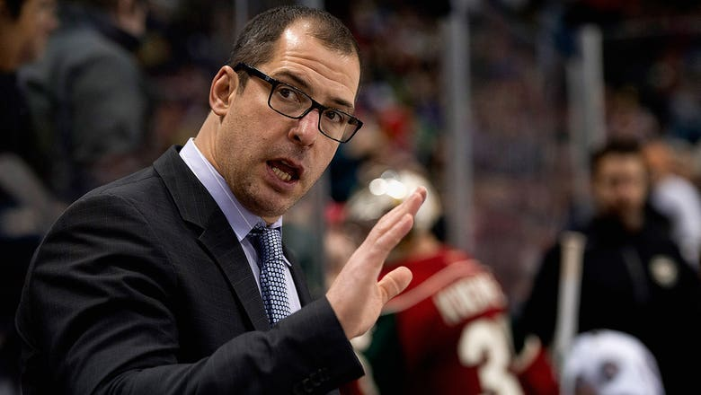 Blues assistant Sydor steps down, replaced by Van Ryn