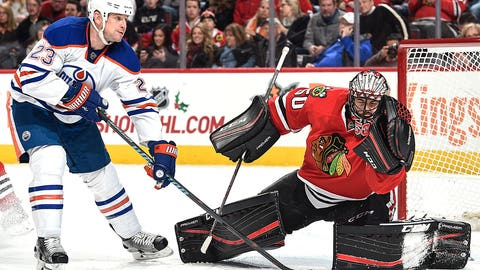 Blackhawks' Crawford notches third shutout in four games
