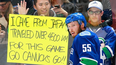 Fan makes long trek for NHL game
