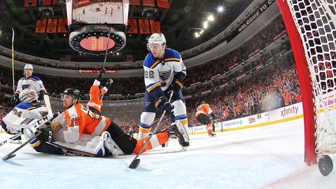VandeVelde crashes crease for Flyers' go-ahead goal