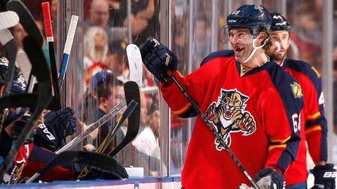 Jagr loses four teeth but Panthers win game