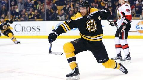 Bruins' Hayes punches out Senators