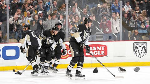 Marvelous Malkin nets three to subdue Canucks
