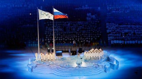 Netrebsko sings the Olympics anthem