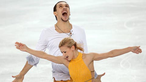 Russians go 1-2 in pairs' figure skating