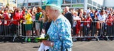 Queen shows off her photobomb skills at Commonwealth Games