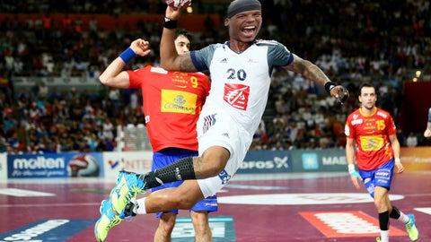 Cam Newton - Handball