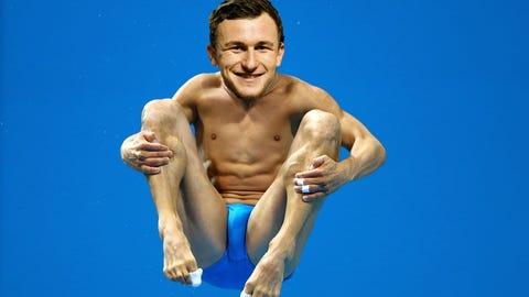 Johnny Manziel - Diving
