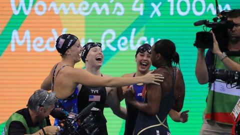 Dana Vollmer, Lilly King, Kathleen Baker and Simone Manuel - 4 x 100m medley relay