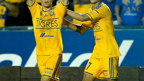 José Torres, Tigres midfield