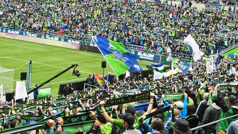 March 15: MLS regular season: Seattle 1 - Toronto FC 2