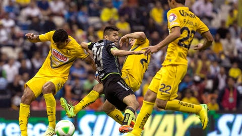 Club América should consider a back four for the trip to Estadio Corona