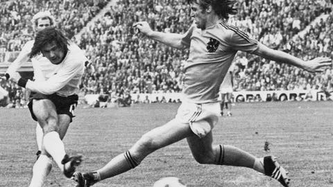 1974: West Germany 2 – Netherlands 1 (Munich)