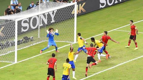 Heroic Guillermo Ochoa thwarts Brazil (June 17)
