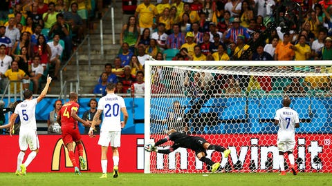 Tim Howard steals show as USA bows out of World Cup (July 1)
