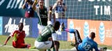 Alhassan rescues late point for Timbers against Earthquakes