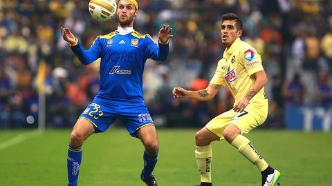 Ventura Alvarado, Club América defender