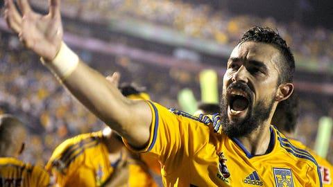 Herculez Gomez -- Tigres to Puebla