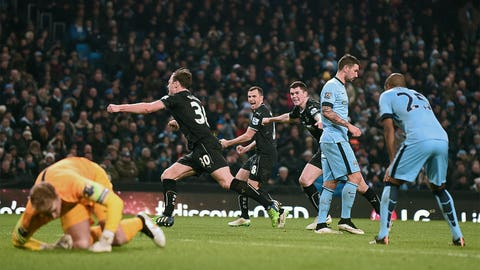 City squander gilt-edged chance to close gap on Chelsea
