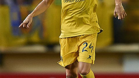 Javier Espinosa, midfielder