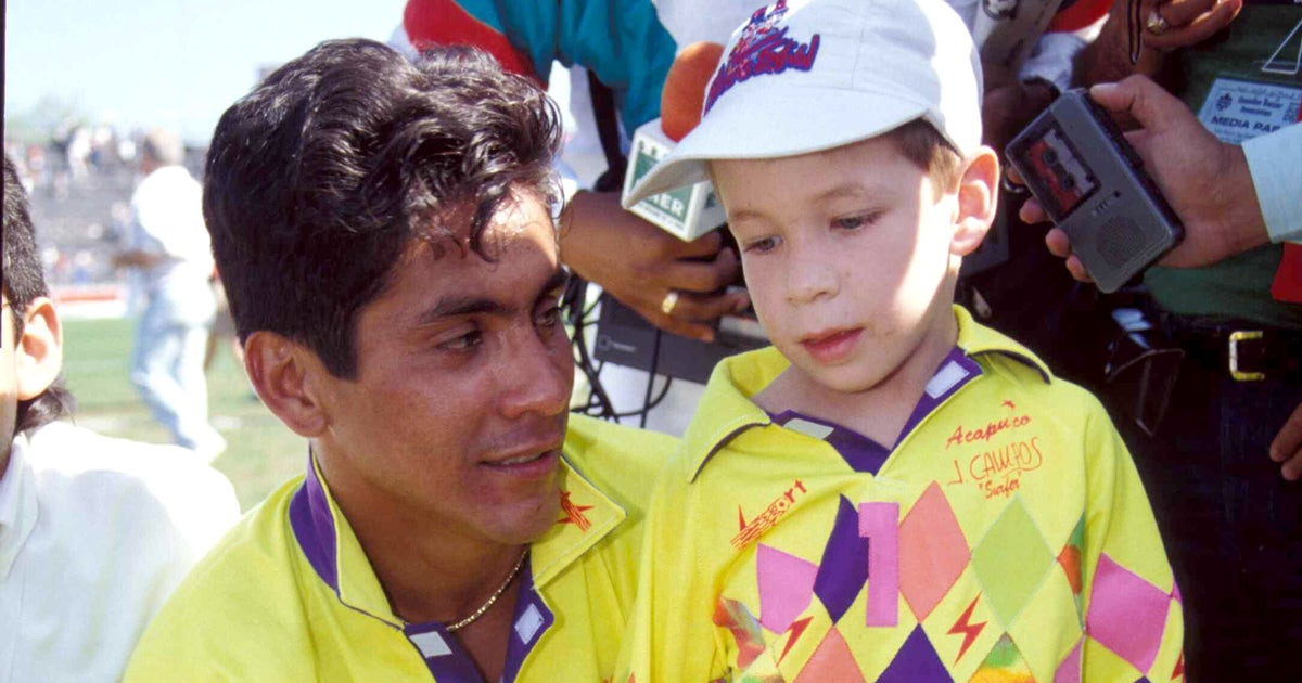 Jorge Campos opens up about his kit selection 98b72bb45