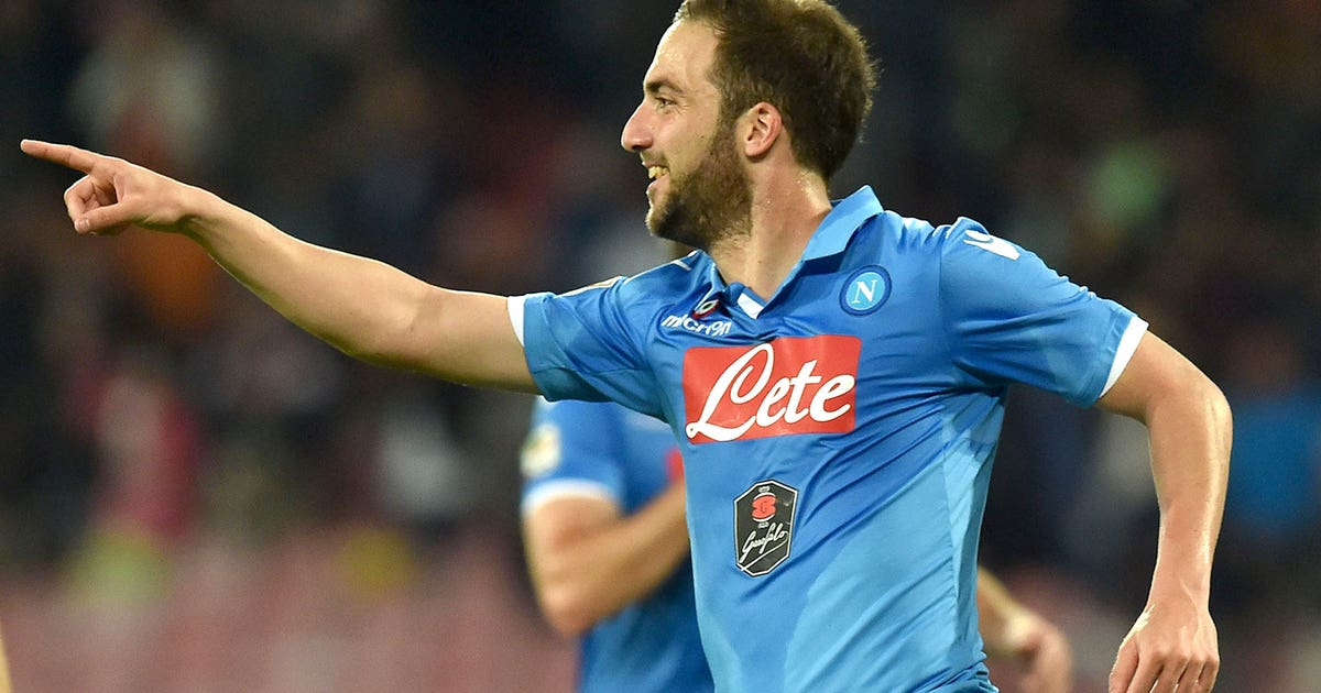 Napoli fight back vs. Sampdoria, strengthen Champions ...