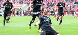 Bundesliga: Hamburg out of relegation zone, Gladbach return to top 3