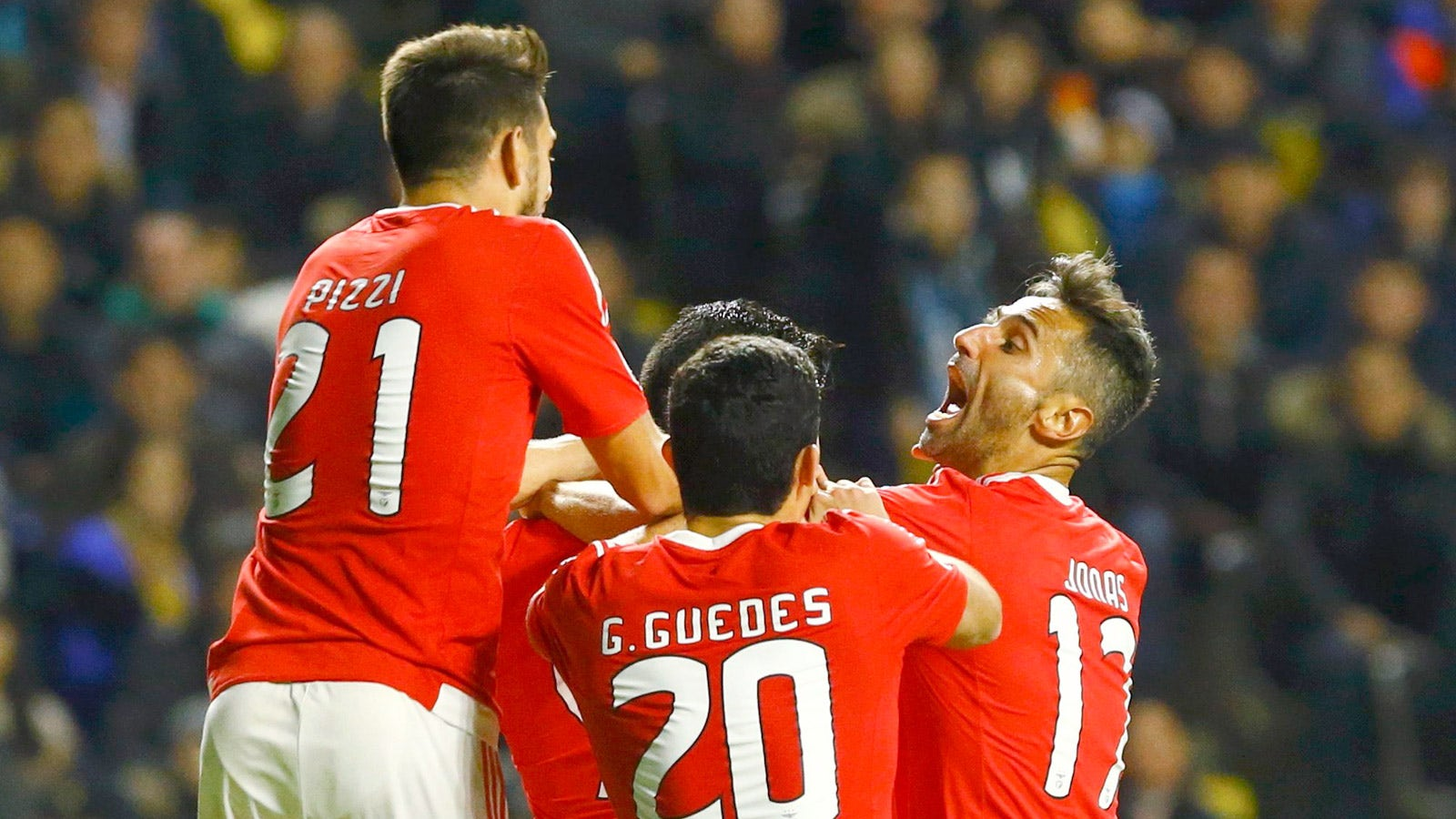 the best attitude 86e37 1d827 Raul Jimenez saves Benfica's blushes against Astana | FOX Sports