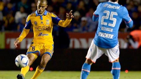 Tigres UANL midfielder Guido Pizarro