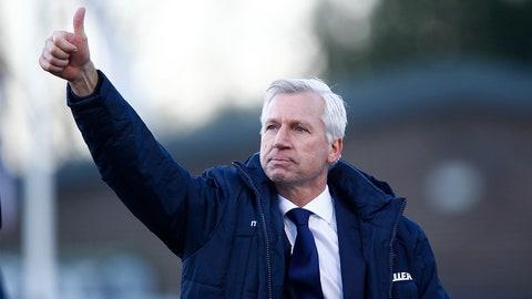 Alan Pardew takes flight to Crystal Palace