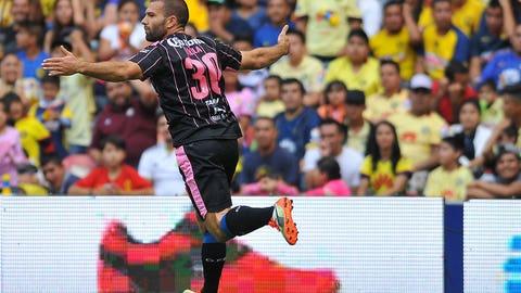 Emanuel Villa: Tigres UANL to Querétaro (permanent)