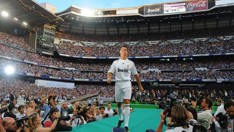 Introduction at Real Madrid (July 6, 2009)