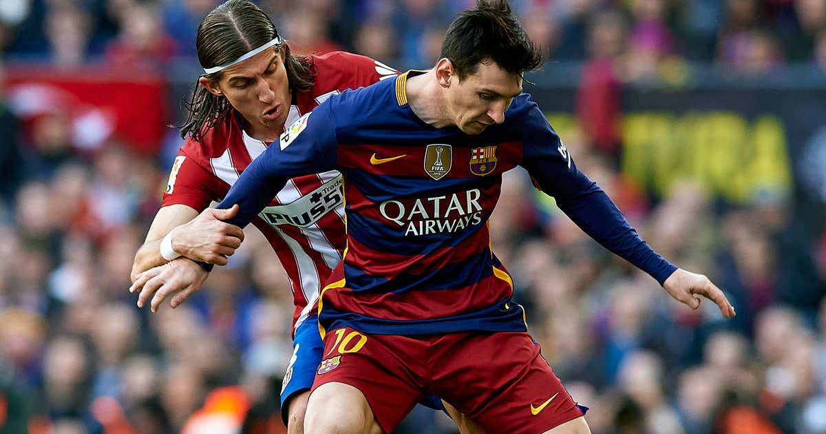 World Reacts To Filipe Luis Criminal Tackle On Lionel