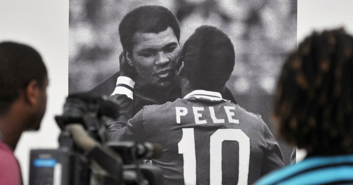 9a1a72108db8 Brazil legend Pele pays tribute to his  hero  Muhammad Ali