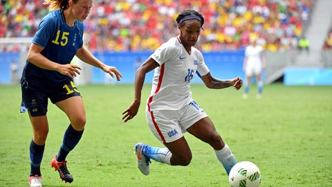 Could Lindsey Horan or Crystal Dunn be a No. 10?