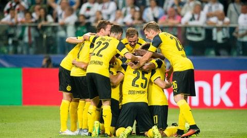 Dortmund hang a touchdown on Legia Warsaw
