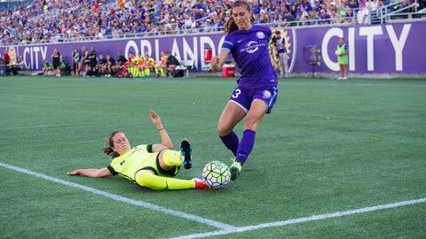 Lauren Barnes, Seattle Reign FC