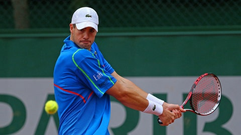 Day 4: Isner in control