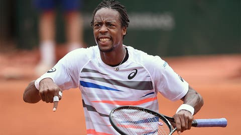 Day 5: Monfils puts on a show