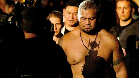 Super Samoan headed to the Octagon